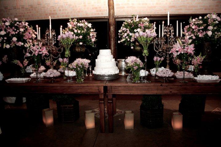 casamento rústico chique decoração da mesa do bolo