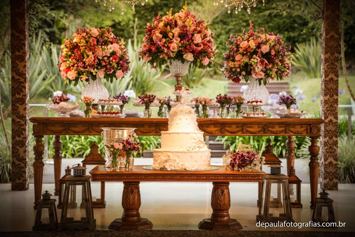 casamento rútico ao ar livre ideias decoração da mesa do bolo
