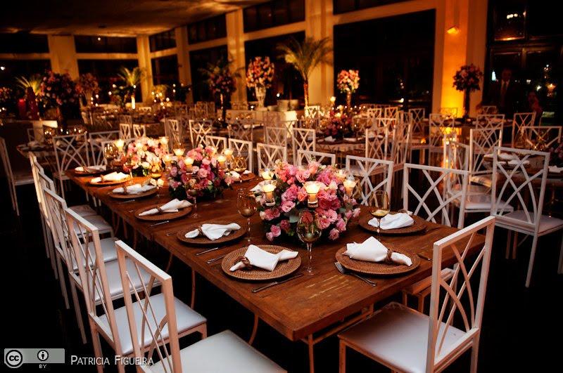 casamento rútico em local fechado decoração das mesas