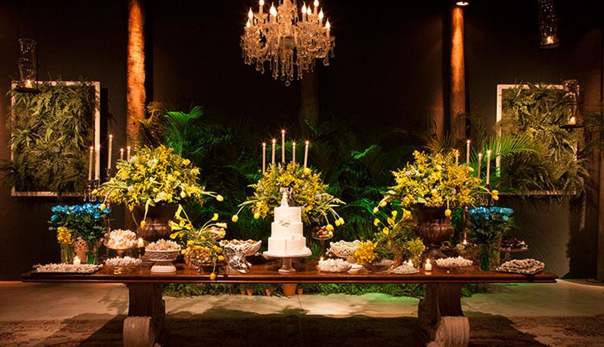 casamento rútico em local fechado mesa do bolo