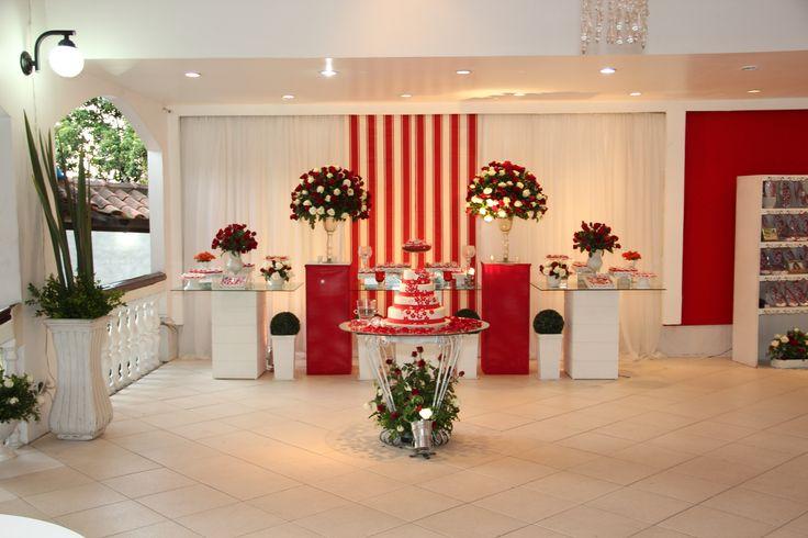 Decoração de casamento vermelho e branco provençal