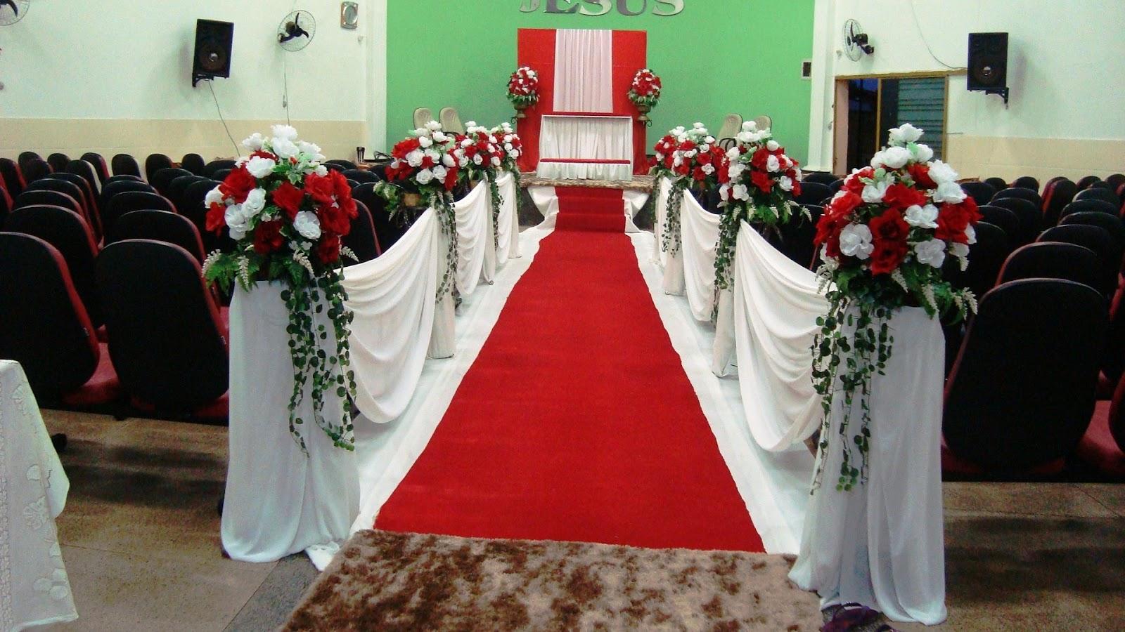 Decoraç u00e3o de casamento vermelho e branco Veja dicas e fotos! -> Fotos Decoração De Igreja Para Casamento Simples