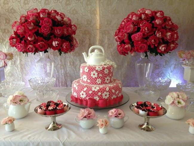 decoração para chá de cozinha vermelha