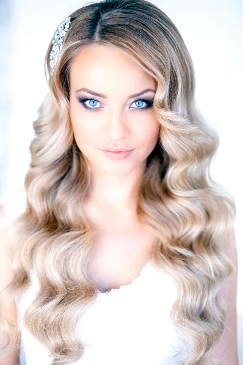 Maquiagem para noivas loiras com olhos azuis