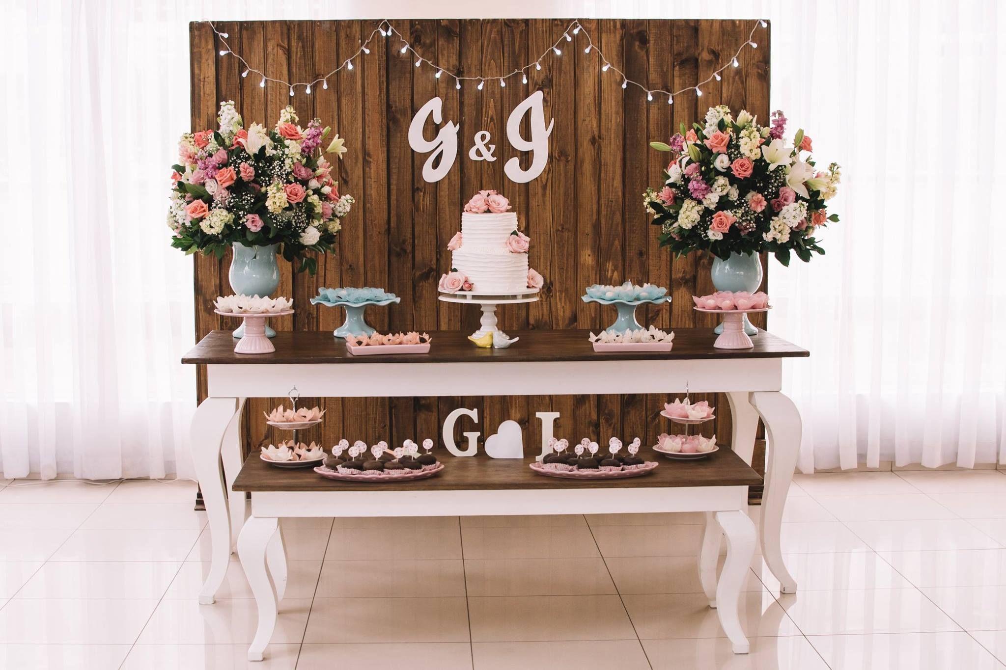 decoração rústica de noivado
