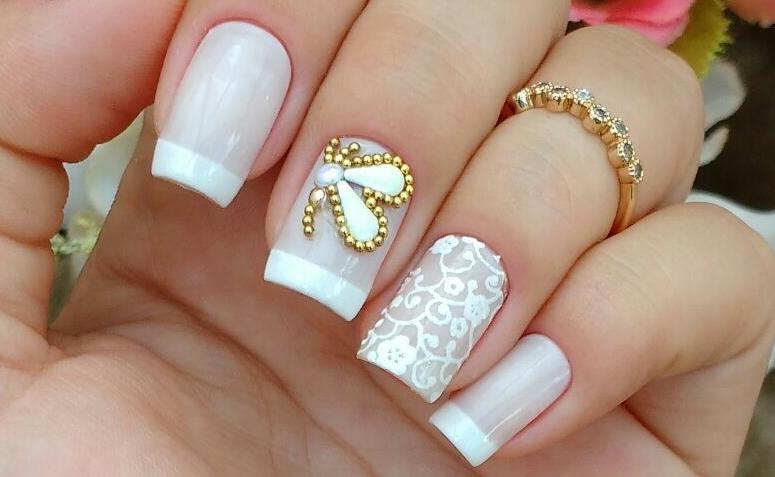 unhas decoradas com apliacções
