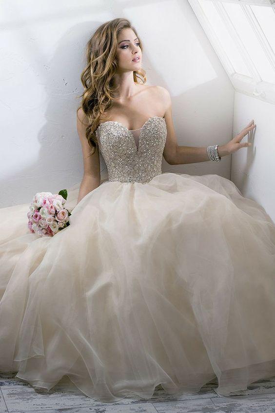 Vestido de noiva princesa com tule