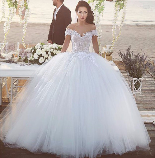 Vestido de noiva princesa ombro a ombro