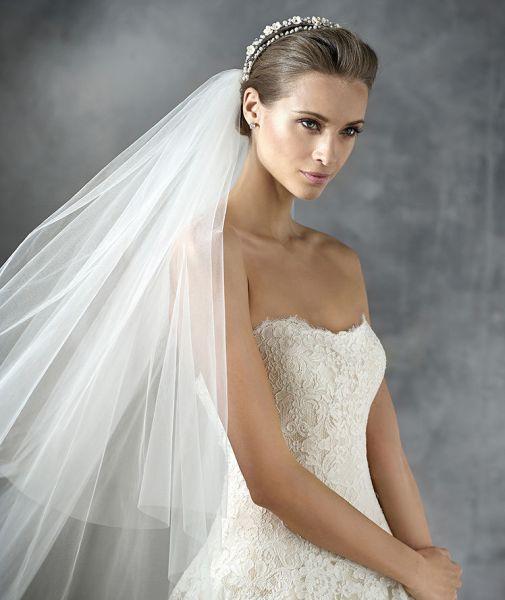 Véu de noiva modelo