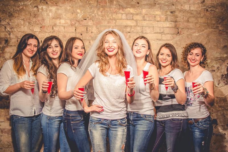 Brincadeira para despedida de solteira: Aprenda quais não podem ...