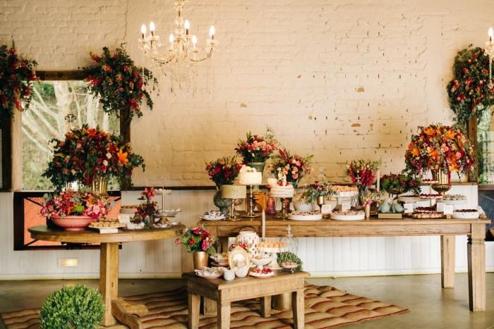 decoração de noivado rústico
