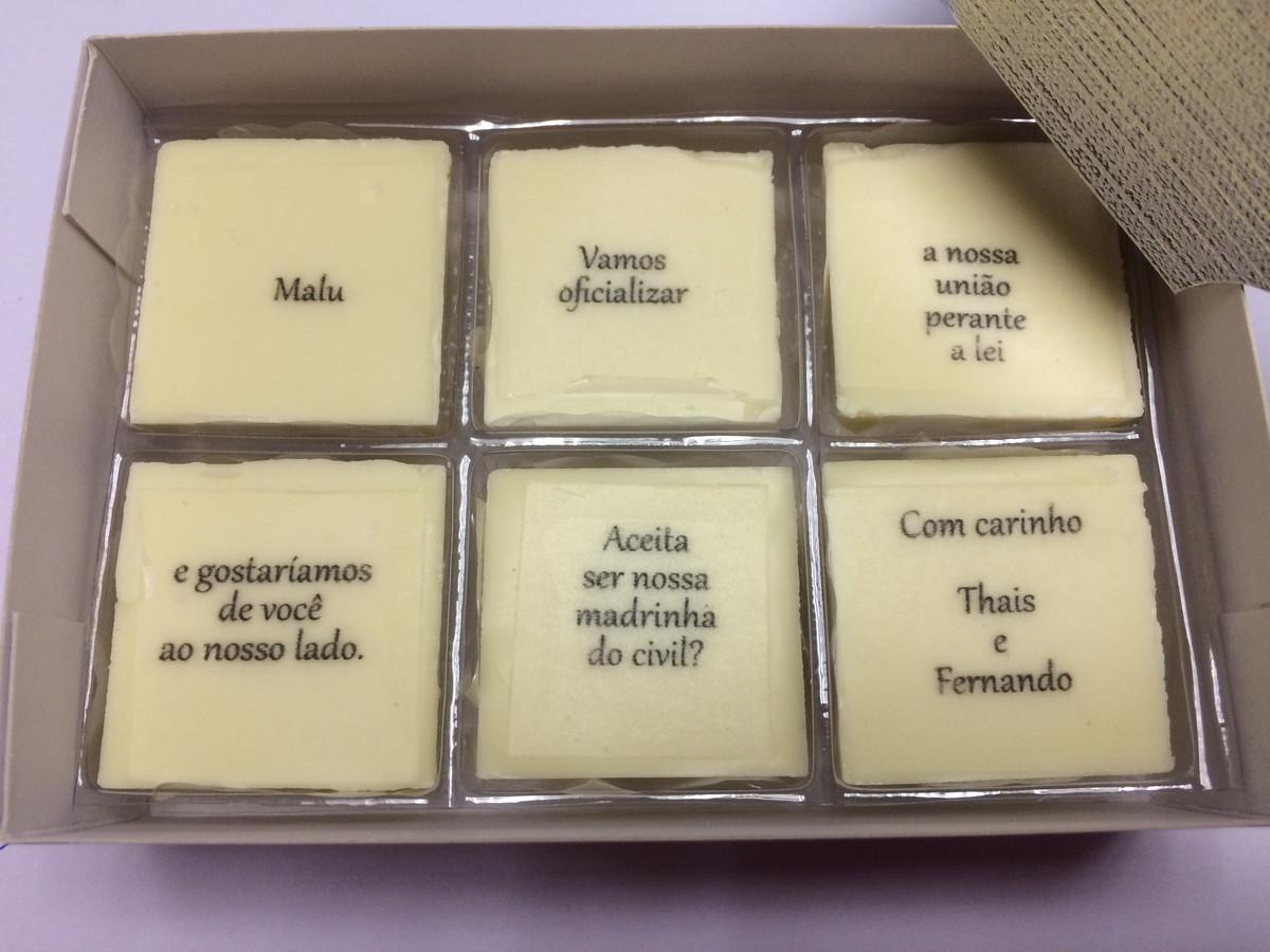 caixa convite com chocolates