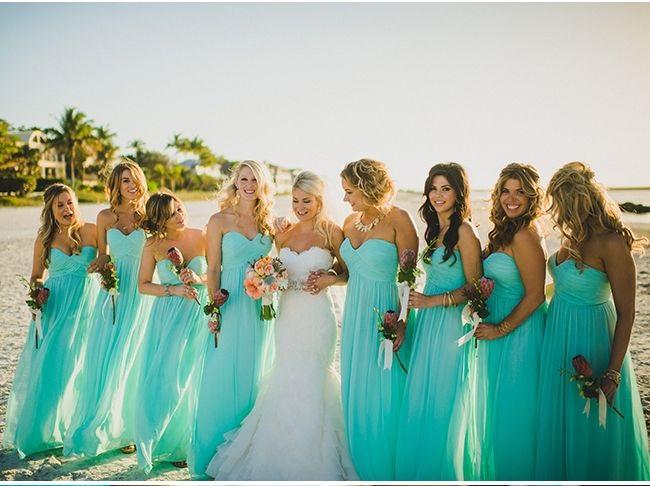 madrinhas com vestidos verde água