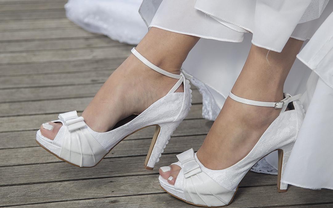 sandália de salto grosso para noiva